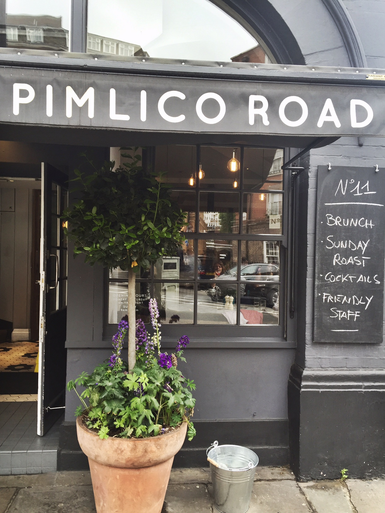 No 11 Pimlico Road London