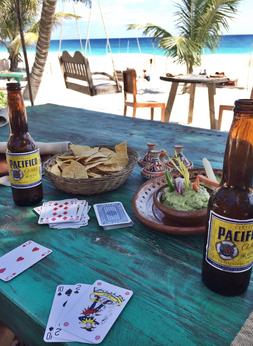 cards-and-guacamole-tulum