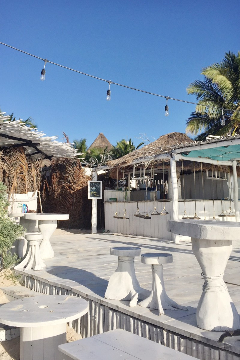 coco-tulum-beach-bar-swings