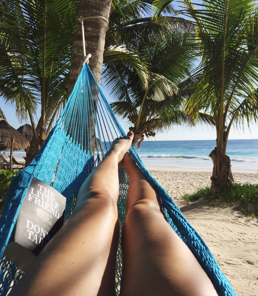 hammock-reading-tulum