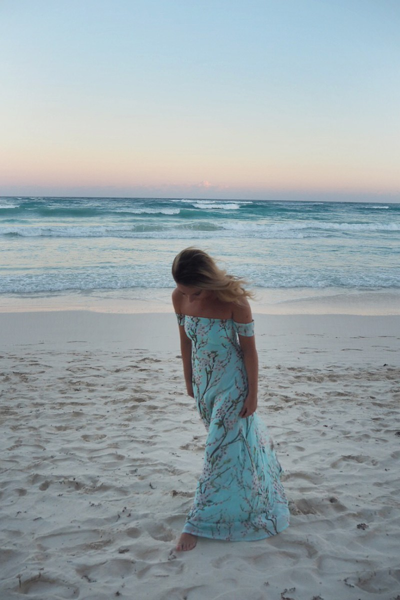 maxi-dress-at-sunset-tulum
