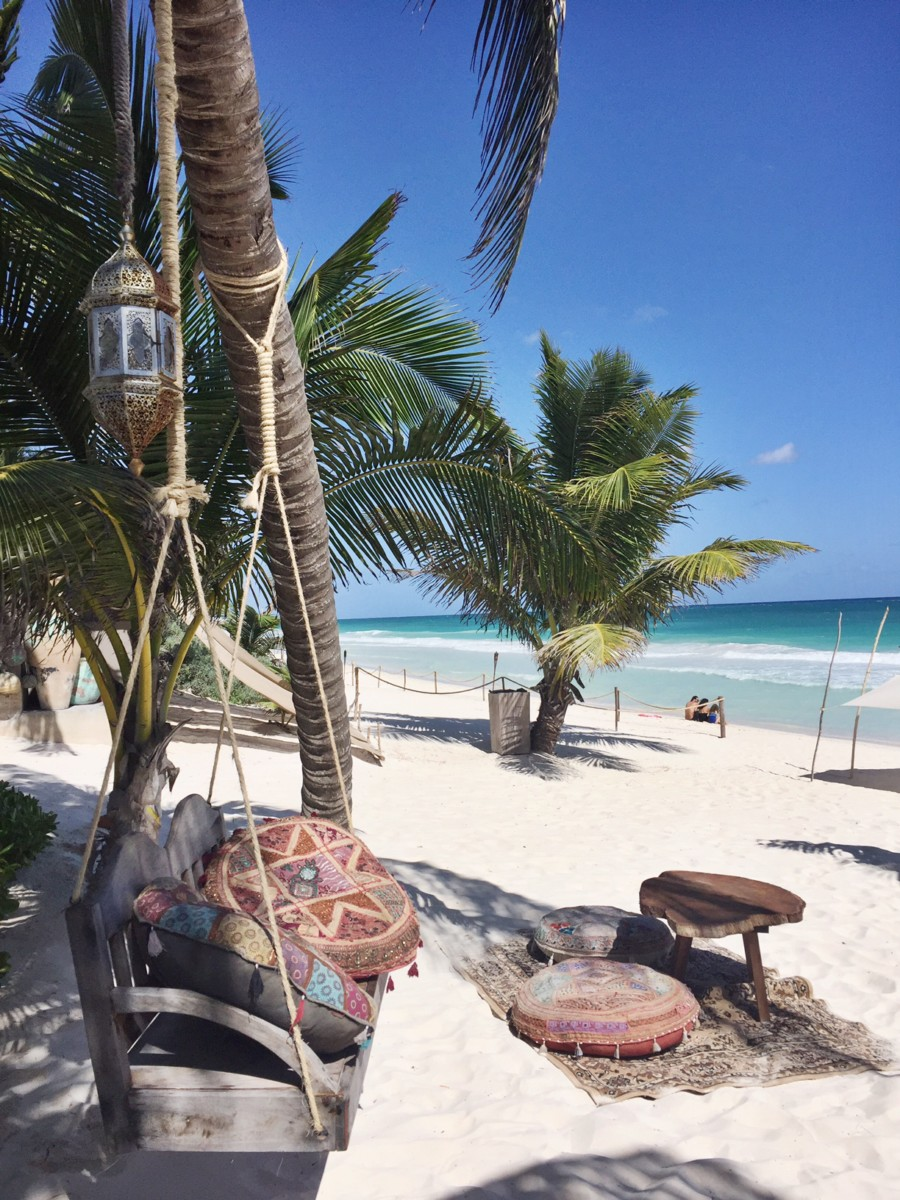 nomade-tulum-swing-chair-on-the-beach