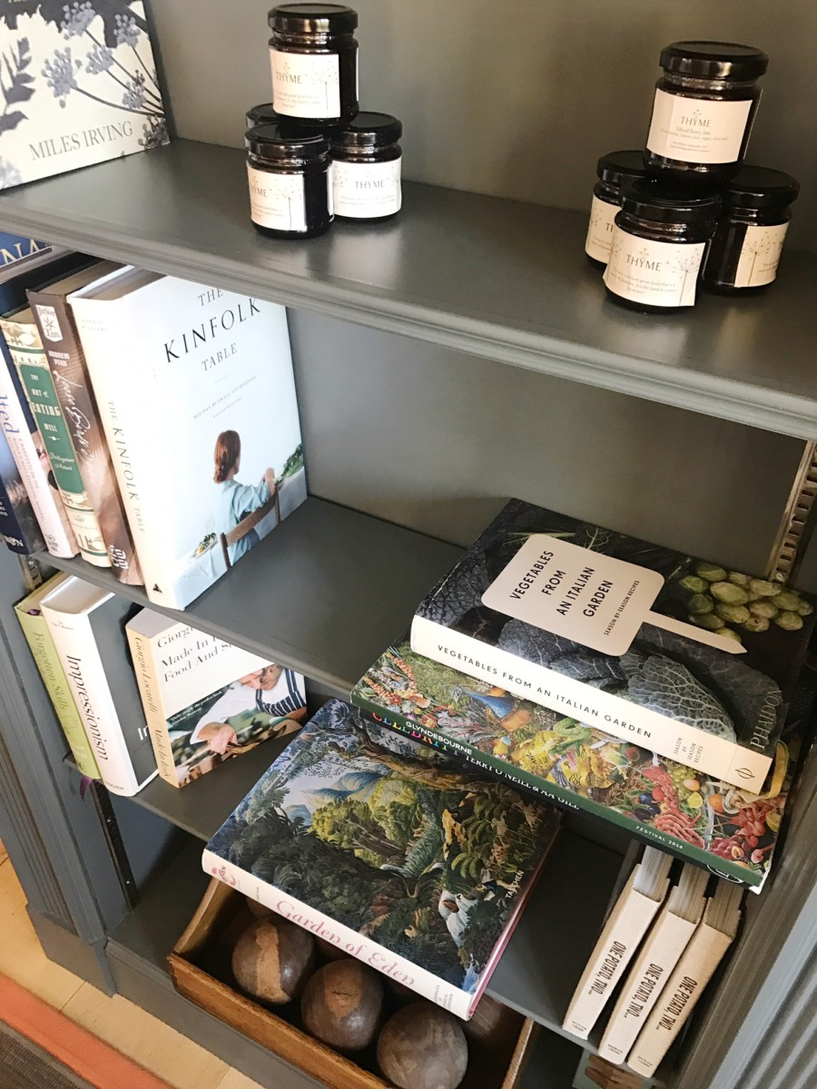 Thyme Cotswolds Bookshelves