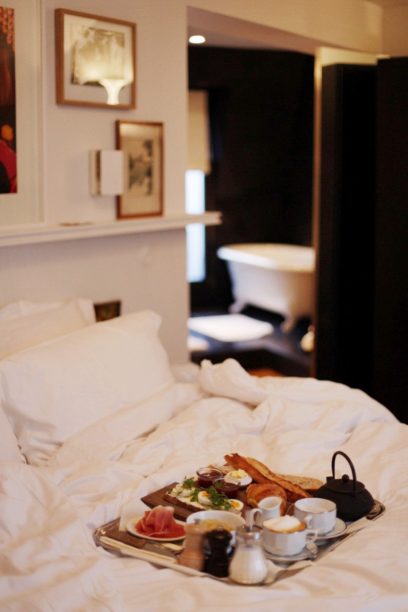Le Pigalle Paris Breakfast in Bed 3