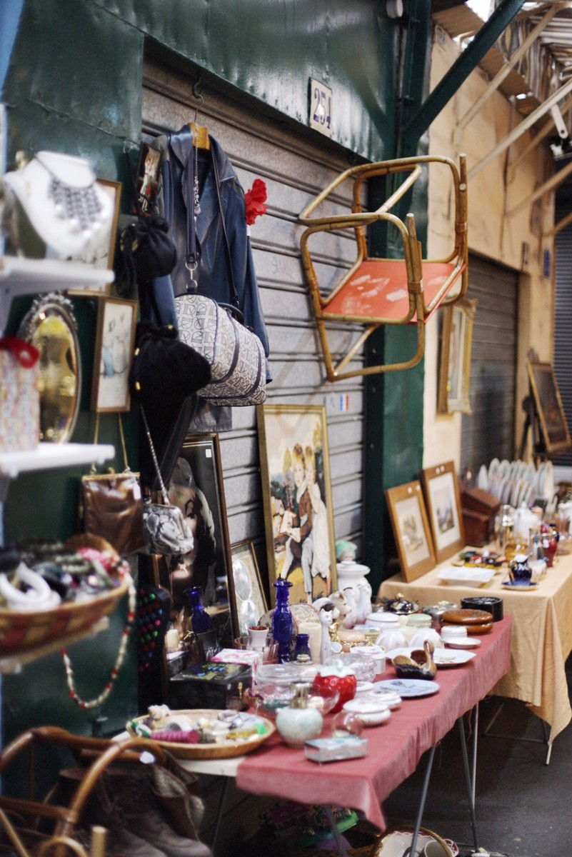 A PARISIAN FLEA MARKET IN MONTMARTRE | Little Miss Notting Hill